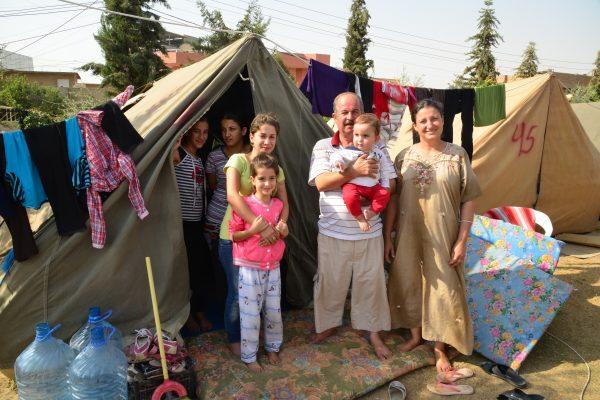famiglia rifugiati-small-577